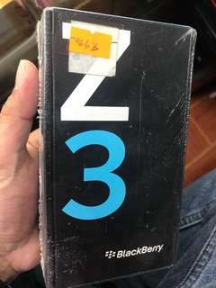 Blackberry z3 16gb 2gb ram android branndnew 5""