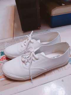 🚚 超軟不咬腳小白鞋 7成新 #女裝半價拉