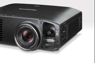 Projector Panasonic PT-AE7000 + Screen