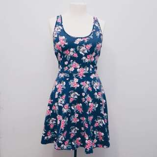 *REDUCED* Floral skater dress // Holister