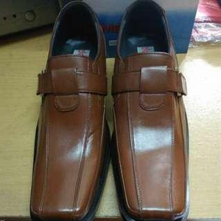 Sepatu pantopel ori