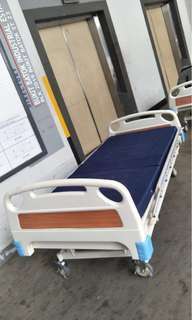 Manual 3-crank Hospital Bed/Hospital bed with Matters @$200 Each-Left 2 pcs