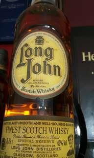 威士忌6枝加brandy一枝。。。