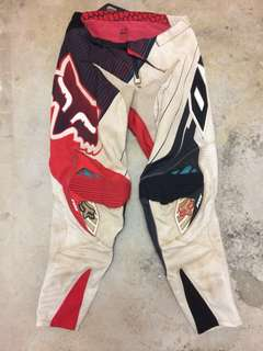 fox dirt bike pants size 30 to 32 inches