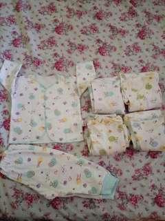 Baju tidur bayi libby