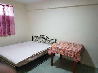 81 Commonwealth - Common Room