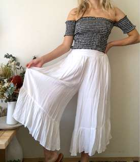Brand New With Tags Seed Heritage White Frill Ruffle Culottes Pants size 6