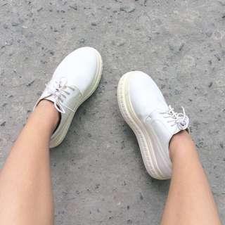 ✨RUSH! White Platforms✨