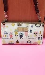 🚚 粉紅色貓頭鷹防水斜背包/手機包/側背包