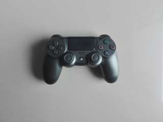PS4 controller second generation dualshock 4 (with light bar)