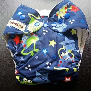 Cloth Diaper - 6 Diapers in 1 Complete Set.
