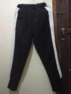 Celana kekinian