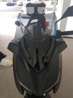 Givi XMAX sports windshield