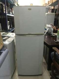 Kulkas Samsung Super Jumbo, 300 Liter, Ada Rodanya