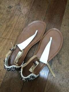 Simple Vera Wang White Sandals