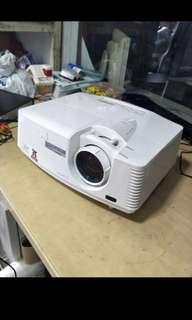 Mitsubishi XD700U PC 3D DLP 5000 ANSI HDMI Projector
