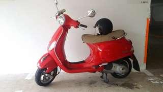 Well maintained piaggio vespa LX 150 I.E. 3V for sale