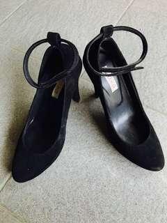 Naima Pump Shoes