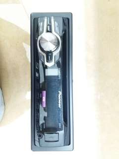 Pioneer USB/ CD Player ( Second Hand )