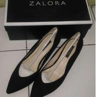 Heels Zalora Black size 37
