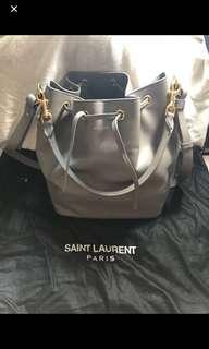 YSL YVES SAINT LAURENT PARIS 聖羅蘭 LARGE EMMANUELLE BUCKET BAG IN GREY LEATHER crossbody bag 手挽手拎斜背斜咩三用袋 水桶包