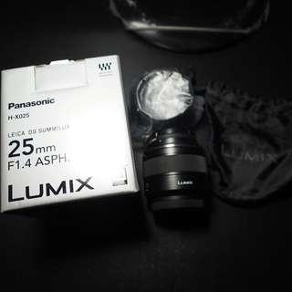 Panasonic LEICA 25mm F1.4 經典小奶