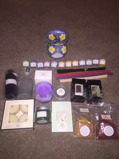 Huge 28+ Piece Gift Set Natural Scented Soy Candles, Soy Melts, Oils, Burner, Aroma Beads, Oil Bottles+ More
