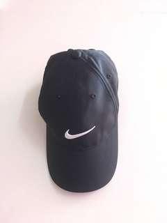 🚚 《二手》Nike黑色帽子 男女可戴 魔鬼氈調整 八成新