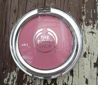 Blush on The body shop all in one cheek