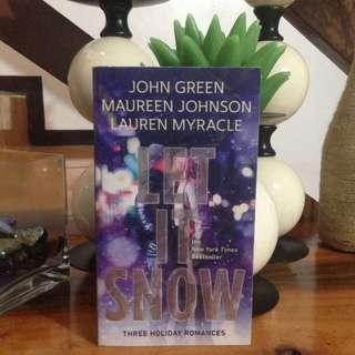 PRELOVED BOOK💙 Let it Snow