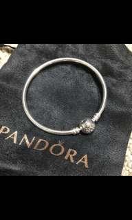 PANDORA Moments Bangle NEW Size 17