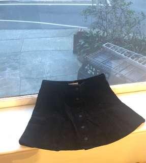 Black chord skirt
