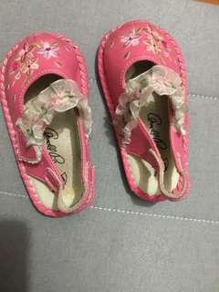 🚚 品牌女孩嬰幼兒學步鞋/童鞋13.5cm