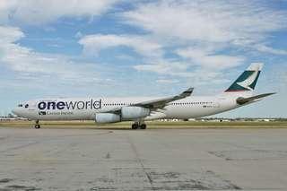 (絶版全新無拆盒)國泰A340-300飛機模型 Brand new Cathay Pacific A340-300 aircraft model