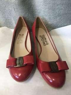 FERRAGAMO經典鞋款/8號