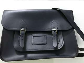 The Cambridge Satchel Company 15 inch Classic Messenger Bag Navy Leather Authentic