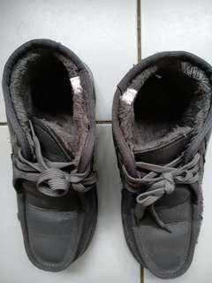Winter Time Shoes (Size 40)