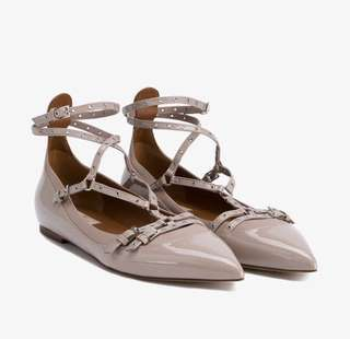 (Marked down!!!)Valentino love latch flat size 39