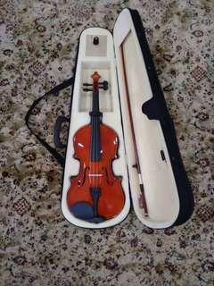 Yamaha violin (4/4) size
