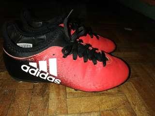 Boys' soccer shoes