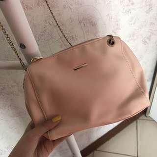 BABY PINK BERSHKA SLING BAG