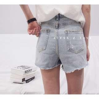 Alexa&Love 夏天感淺藍色牛仔短褲(特)
