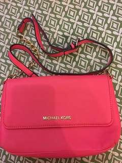Pink Michael Kors Slingbag