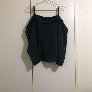 Off shoulder top size M