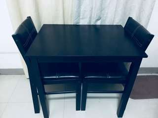 2 seaters dining table (for pick up only)