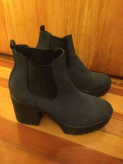 Therapy size 9 boots