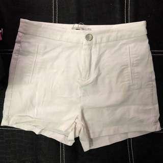 Temt White Shorts