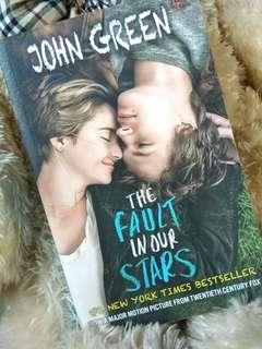 Novel John Green : The fault in our stars