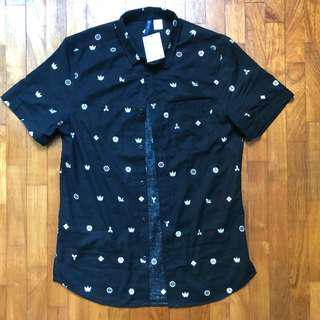 🚚 H&M printed shirt