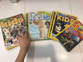 29 COPIES OF NAT GEO KIDS + 1 COPY OF DISCOVERY BOX